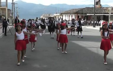 (Video) Niñez, Juventud y organizaciones participaron en el desfile por fiestas de San Pedro de la Bendita