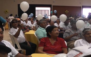 (Video) Mies y Gobierno Municipal homenajearon a los adultos mayores.
