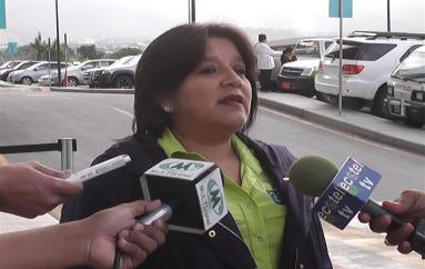 (Video) Patricia Acaro: MIES está apoyando a familia desalojada de su vivienda en San Vicente.