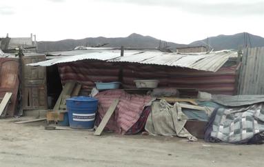 (Video) Familia desalojada por usura sigue viviendo en malas condiciones