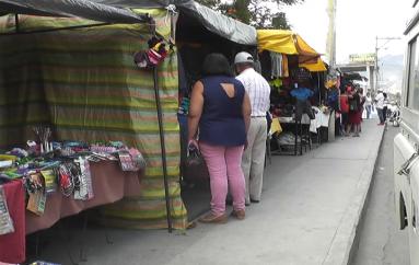 (Video) Ventas bajas continúa preocupando a comerciantes.