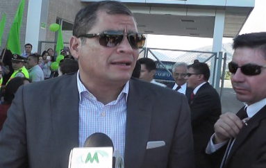 (Video) Presidente Correa se refirió a la ampliacion de la vía Loja Catamayo