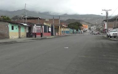 (Video) Moradoras en desacuerdo con el traslado de la feria libre y cierre de su calle