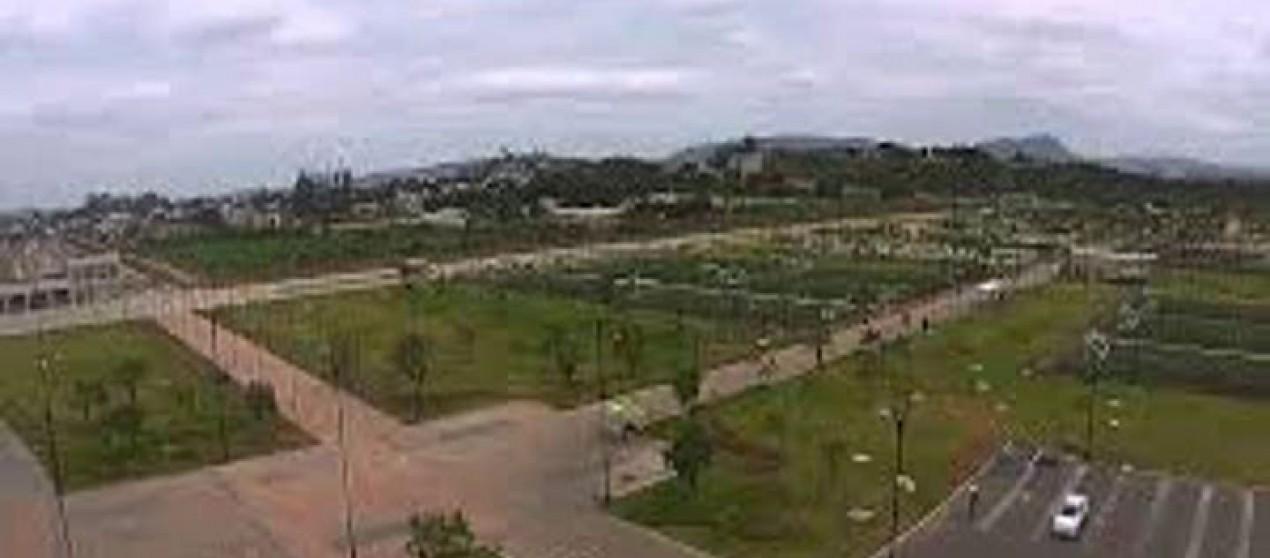 (Video) Afiliados del ISSFA, rechazan devolución de 38 millones de dólares por la venta de hectáreas de tierra en el parque Samanes.