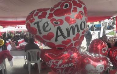 (Video) 200 artesanos participan de Feria Artesanal por el Día del Amor y La Amistad, en la plaza de San Sebastián.