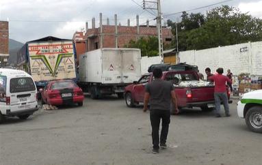 (Video) Problemas en el lugar donde se realiza la feria de productos agrícolas