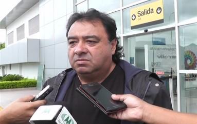 (Video) Imitador de Roberto Carlos se presenta en Loja y Catamayo