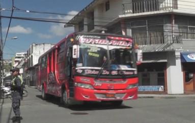 (Video) Trabajos de Regeneración Urbana, provoca congestión vehicular durante horas pico.
