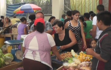 (Video) Comisario Municipal controlará ventas a comerciantes de otros cantones que expenden en Catamayo