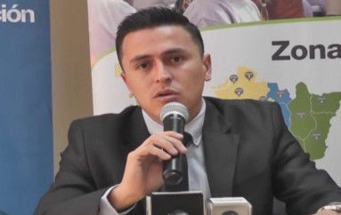 (Video) Rolando Sigcho, lojano de 32 años, asume la Coordinación Zonal 7 de Educación.