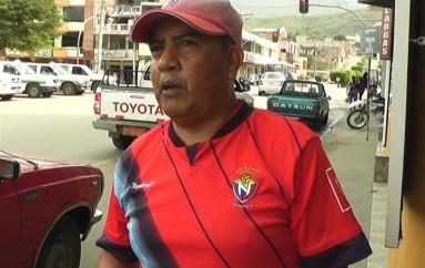 (Video) En dos estadios se cumple el campeonato de fútbol barrial