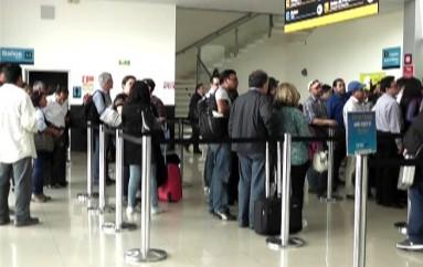 (Video) Fuertes turbulencias de vientos impidieron arribo de vuelo en la ruta Quito-Loja