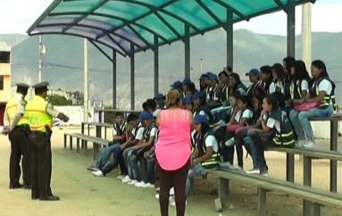 (Video) Estudiantes de Instituciones Educativas se capacitan en temas de vialidad