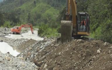 (Vídeo)Trabajos de Encauzamiento del Rió Chicaña: vienen Realizando Lundi Gold y Juntas Parroquiales del Gad Municipal de Yanzatza