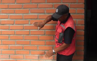 (Video) Comandante del Cuerpo de Bomberos explica estrategias ante posible sismo.