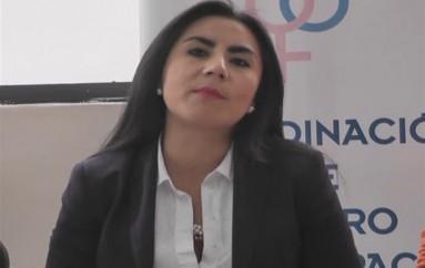 """(Video) Dayana Mancheno periodista y escritora presentó en Loja su libro """"Mujeres Reales"""""""