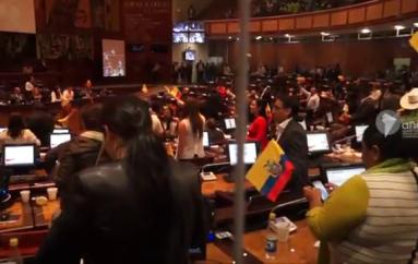 (Video) Asambleísta Richard Farfán pide a ciudadanos paciencia por retraso en vía Catamayo – Macará