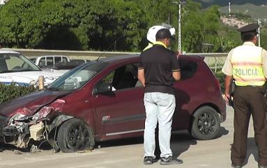 (Video) Daños materiales tras accidente de tránsito.