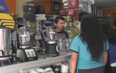 (Video) Propietarios de almacenes dicen estar listos para aplicar desde hoy  aumento del 12 al 14%  del IVA.