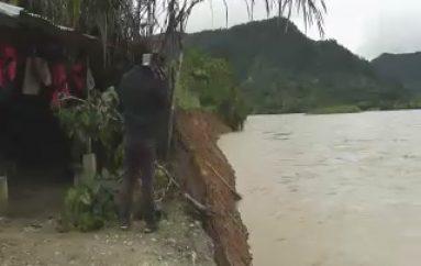 (ZAMORA) Tres Viviendas afectas por el Desbordamiento del Rio Zamora.