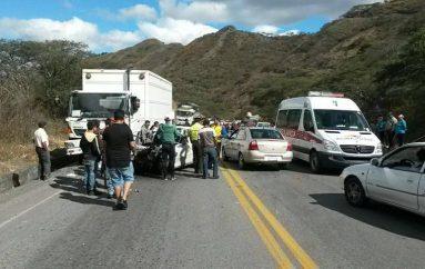 (Video) Heridos llegaron graves al Centro de salud tipo C de Catamayo según la responsable.