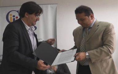 (Video) Firman convenio  para implementar prácticas transparentes participativas.