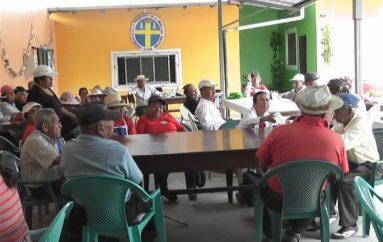 (Video) Adultos mayores participan de proyecto de Ministerio de Educación.