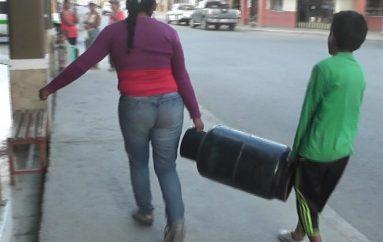 (Video) Desabastecimiento de gas en Catamayo preocupa a ciudadanos.