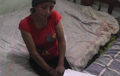 (Video) Joven madre de escasos recursos pide ayuda para tratamiento