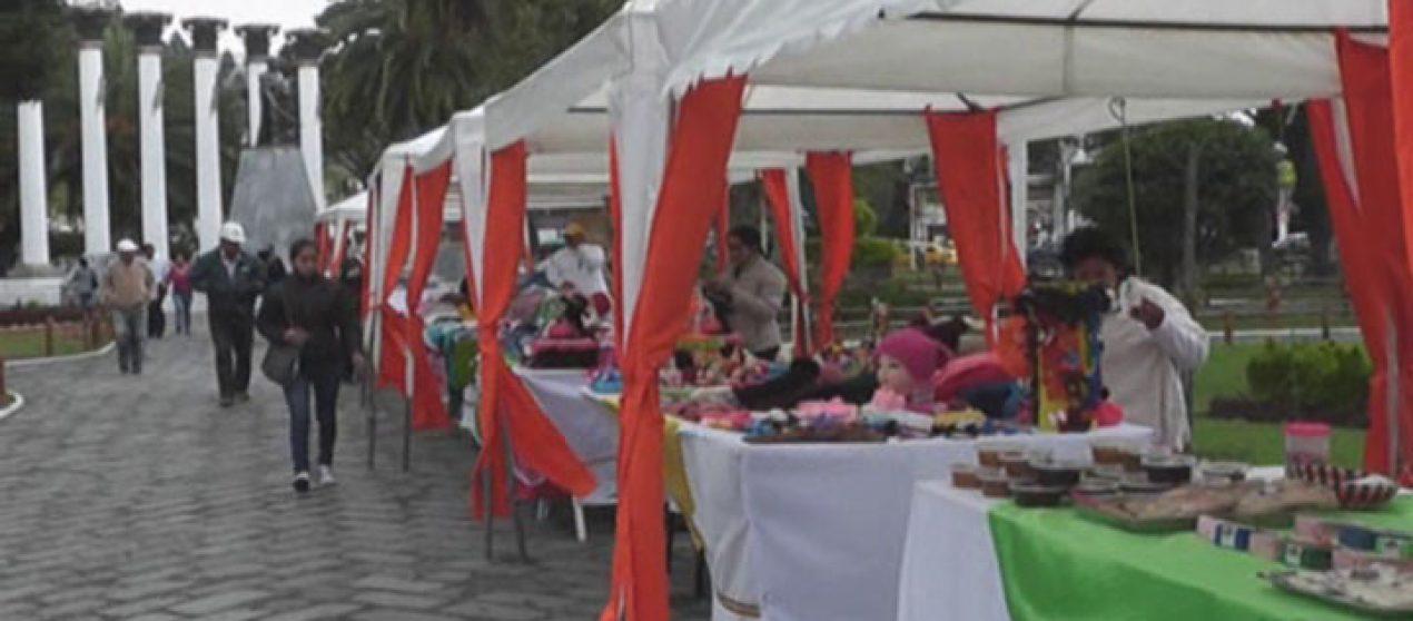(Video)  19 artesanos promocionan sus emprendimientos en el parque Simón Bolívar.