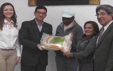 (Video)  SENAE dona 3.280 arrobas de arroz incautado al MIES.