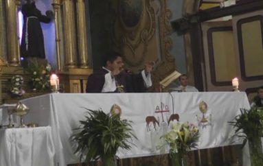 (Video) 22 sacerdotes de la provincia de Loja han sido cambiados de parroquia.