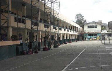 (Video) Institución busca crear primer año de bachillerato y construir más aulas