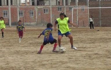 (Video) Equipo de fútbol femenino listo para participar en Juegos Intercantonales.