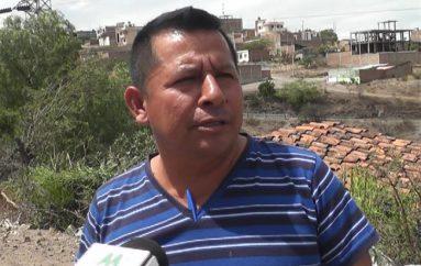 (Video) Presidente de lotización dice que Municipio actúa políticamente por entrega de escrituras.