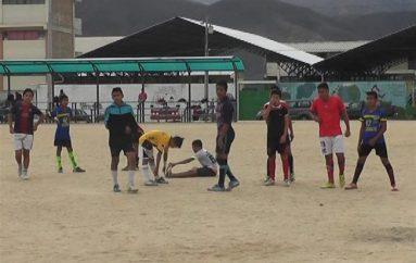 (Video) Disciplina de fútbol de Liga cantonal entrena para eliminatorias de los intercantonales