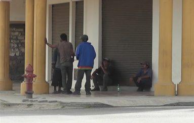 (Video) Ciudadanos denuncian intimidación de personas con problemas de alcohol, piden más control
