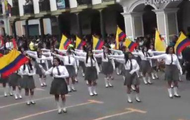 (Video) Desfile cívico estudiantil será el preámbulo del I Festival Internacional de Artes Vivas Loja 2016.