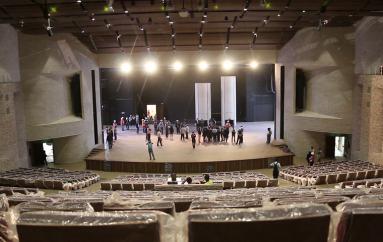 (Video) Autoridades y periodistas recorrieron teatro Benjamín Carrión de Loja.