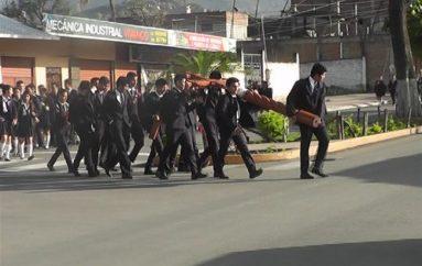 (Video) Unidad San Juan Bautista participó en procesión de La cruz de los jóvenes