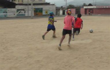 (Video) Equipo de Fútbol masculino se prepara para los próximos juegos intercantonales.