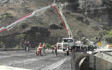 (Video) Coordinadora distrital de Obras Públicas inspeccionó construcción de puente