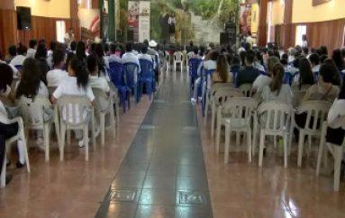 (VIDEO) Con Oratoria rindieron homenaje a Víctor Rodríguez