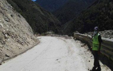 (VIDEO) Realizan estabilización de taludes en la Vía Zamora-Loja.