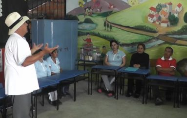 (Vídeo) Visitas áulicas se cumplen en la Escuela Luis Alfredo Samaniego.
