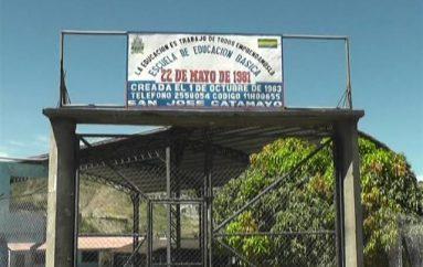 (Vídeo) Director de  la Escuela 22 de Mayo se refiere a las actividades que desarrollarán por Navidad.