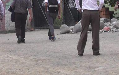(Video) Estudiante aislado por droga fue entregado a sus familiares.