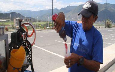 (Video) Padre y abuelo de dos personas con discapacidad pide apoyo