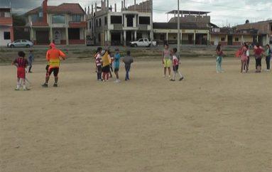 (Video) Varios niños y jóvenes forman parte de la escuela Sporting de Catamayo.