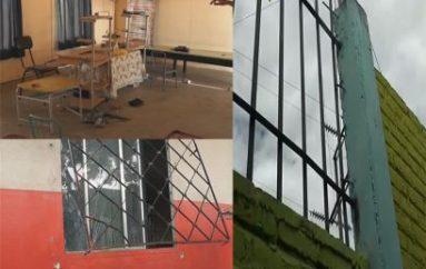 (Video) Delincuentes dejan sin computadoras a escuela fiscal de Catamayo